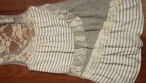 Suzy Shier Ladies Lace/Ruffle Top XS